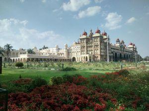 Mysore_Palace_south_gate_view
