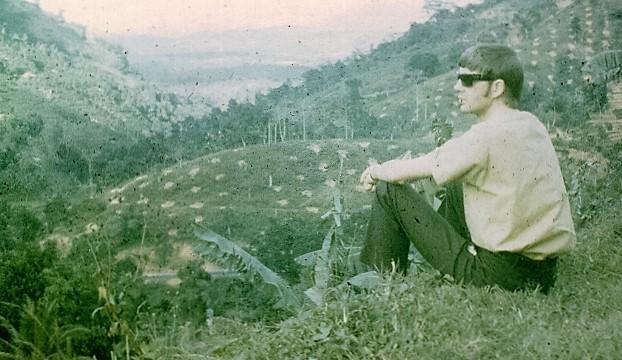 1962-ian-surveys-the-farm-2