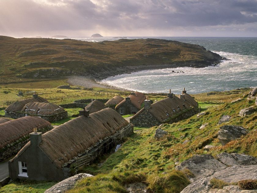 Garenin_Black_House_Village_Isle_of_Lewis_Outer_Hebrides_Scotland